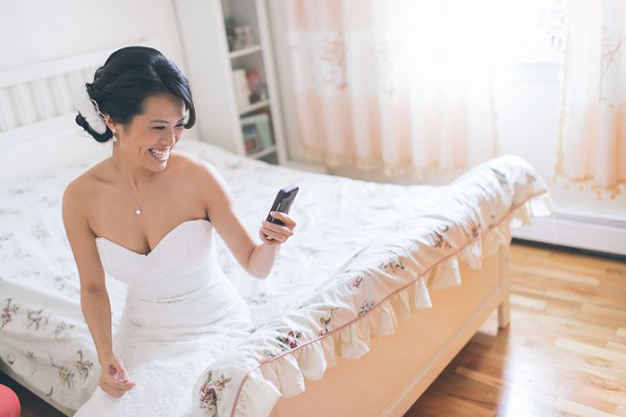 btide on her phone - wedding apps